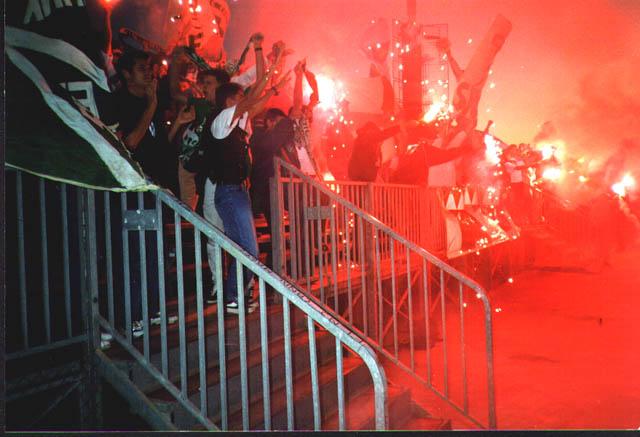 Photos Pyrotechnie (Torches, Pots à Fumée...) - Page 15 Cannes_asse9899